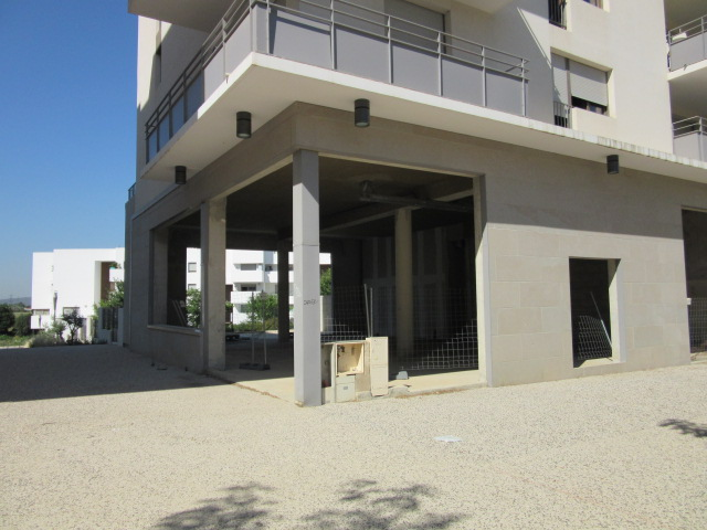 Photo du bien immobilier  : Montpellier ovalie local 176 m2 + terrasse privative à louer