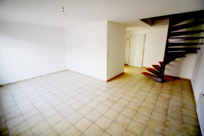 Photo du bien immobilier  : Location vide appartement f3 en duplex à lattes